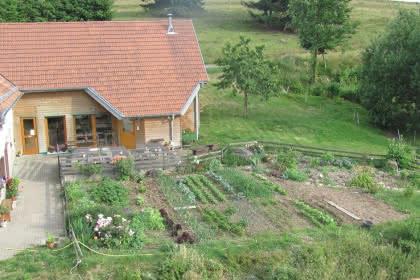 www.fermeaubergedelaperheux.com