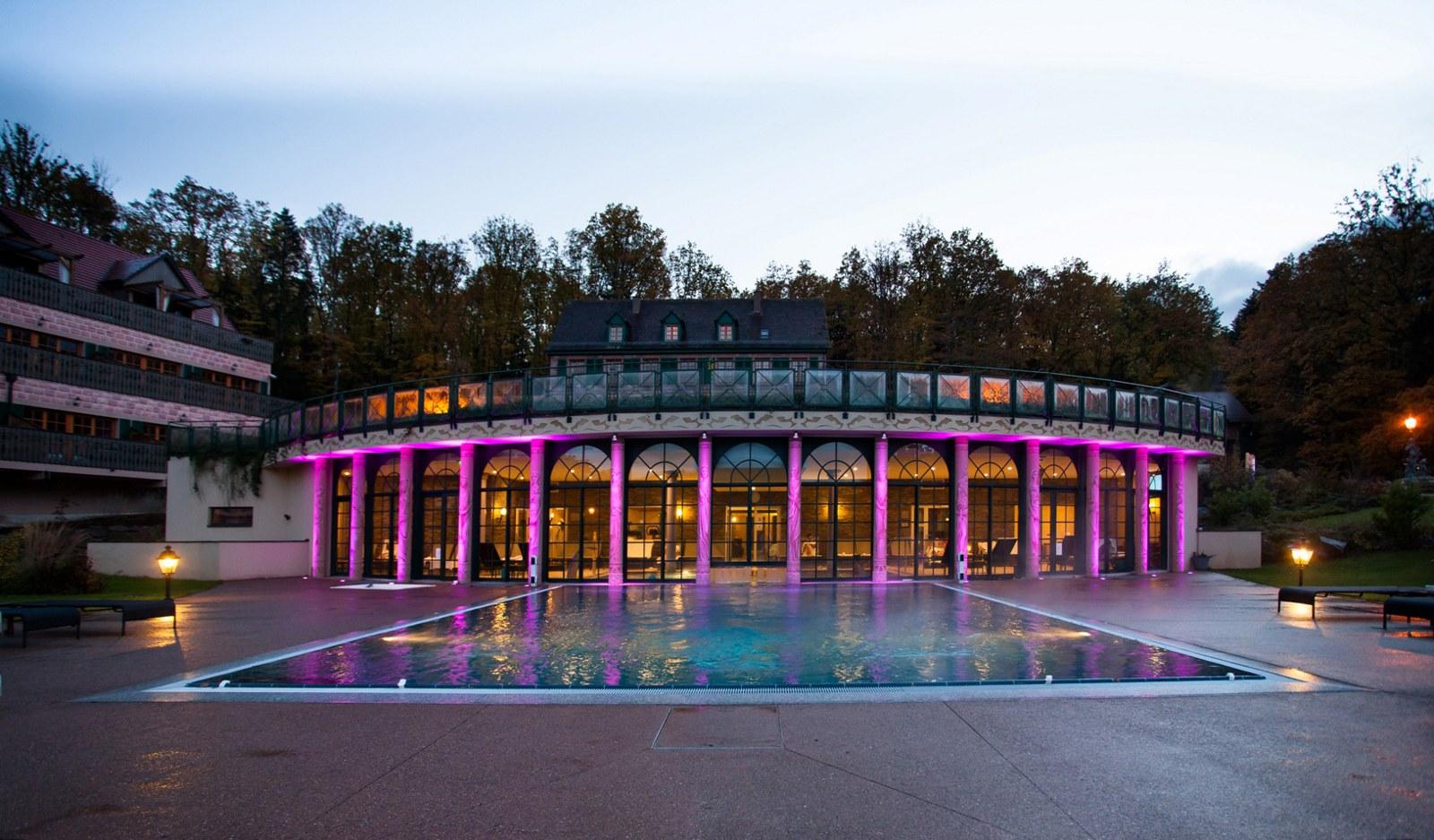 photo externe Hôtel et piscine