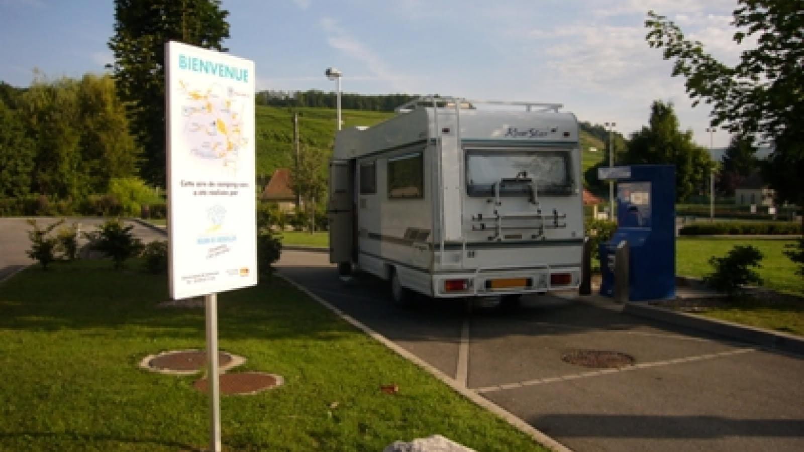 Wohnmobil-Abstellplatz mit Serviceeinrichtungen - Orschwihr  Visit