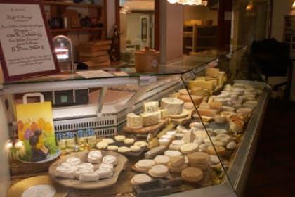 Maître Anthony éleveur de fromages  VIEUX FERRETTE
